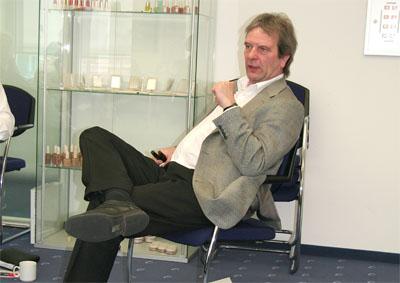 Jürgen Burberg im Training während der Gesprächsmoderation